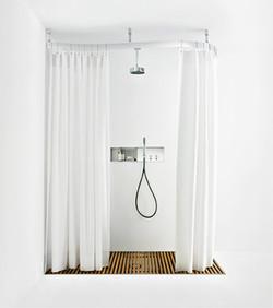 Cooper (shower enclosure)