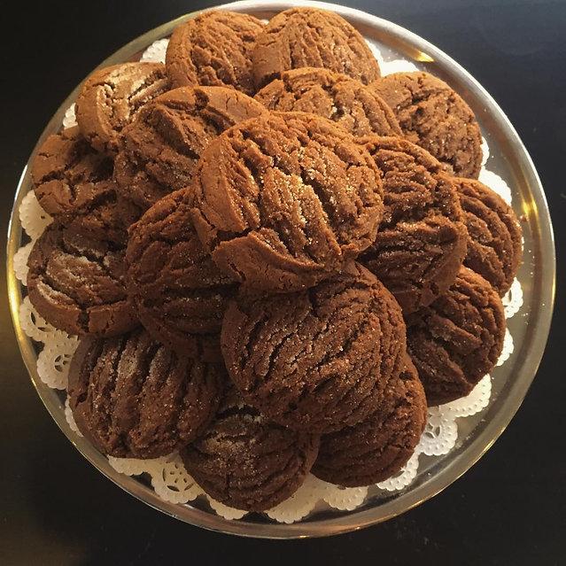 gingerbread molasses cookie.jpg