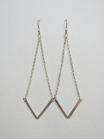 V dangle earrings 1.jpg