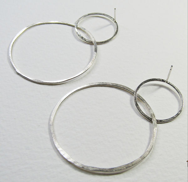 Linked Hoops Thin 2.jpg