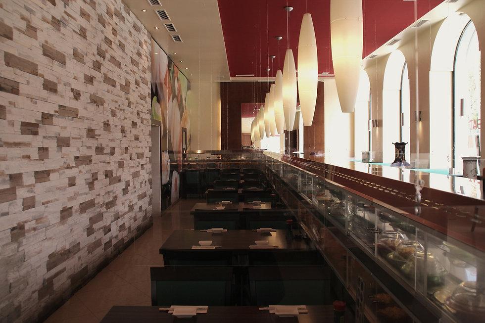 Running Sushi im Eat Asia Restaurant in Graz