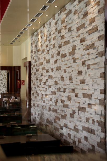 Wand von Eat Asia Restaurant Graz mit all you can eat und running Sushi
