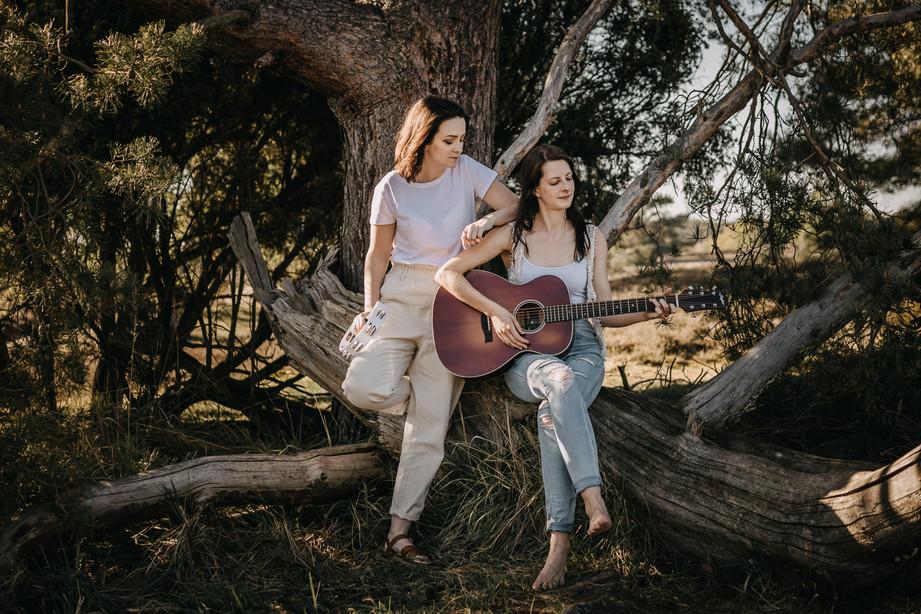 Tammi & Lisa-12.jpg
