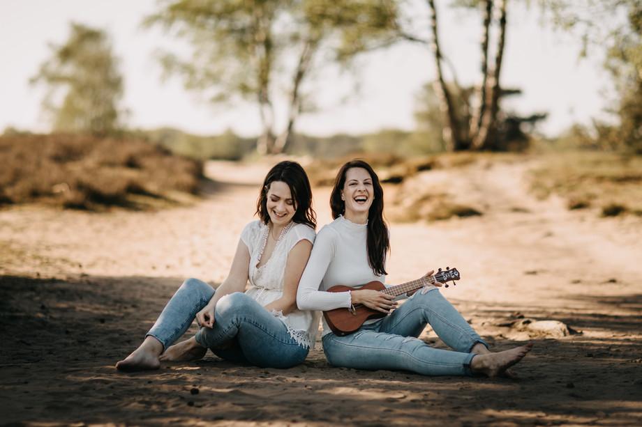 Tammi & Lisa-5.jpg