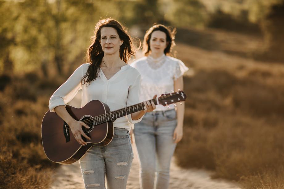 Tammi & Lisa-29.jpg