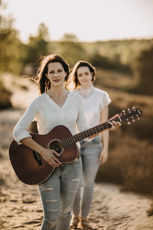 Tammi & Lisa-31.jpg