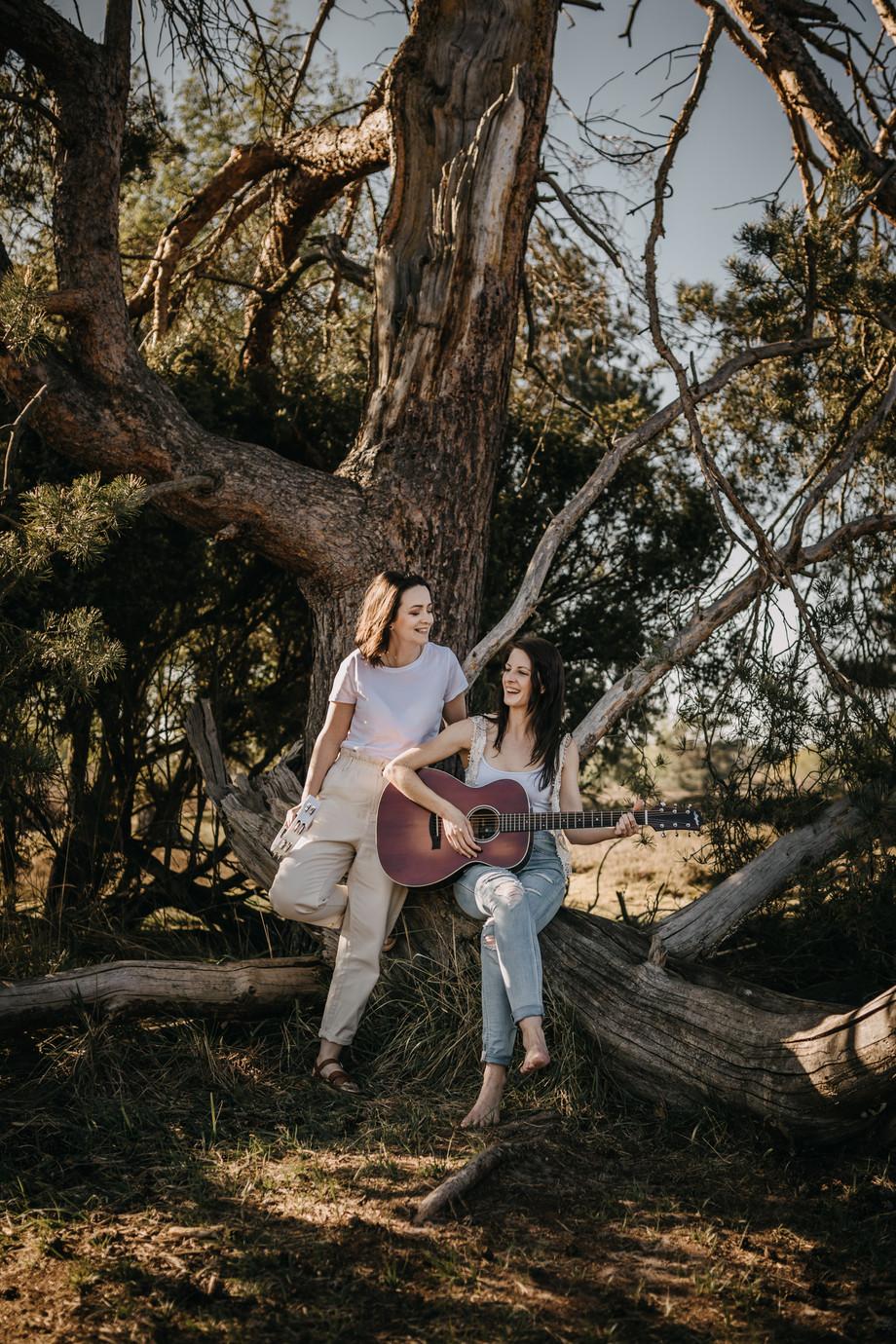 Tammi & Lisa-11.jpg