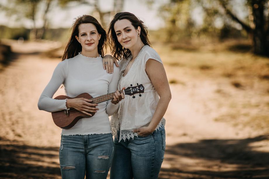 Tammi & Lisa-53.jpg