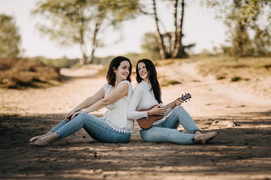 Tammi & Lisa-10.jpg