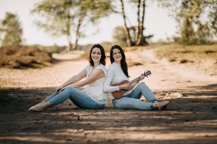 Tammi & Lisa-9.jpg
