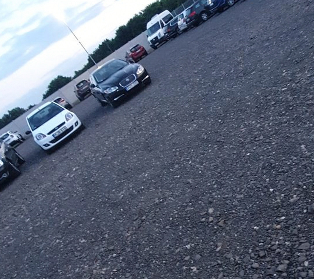 Kijelölt parkolóhelyek