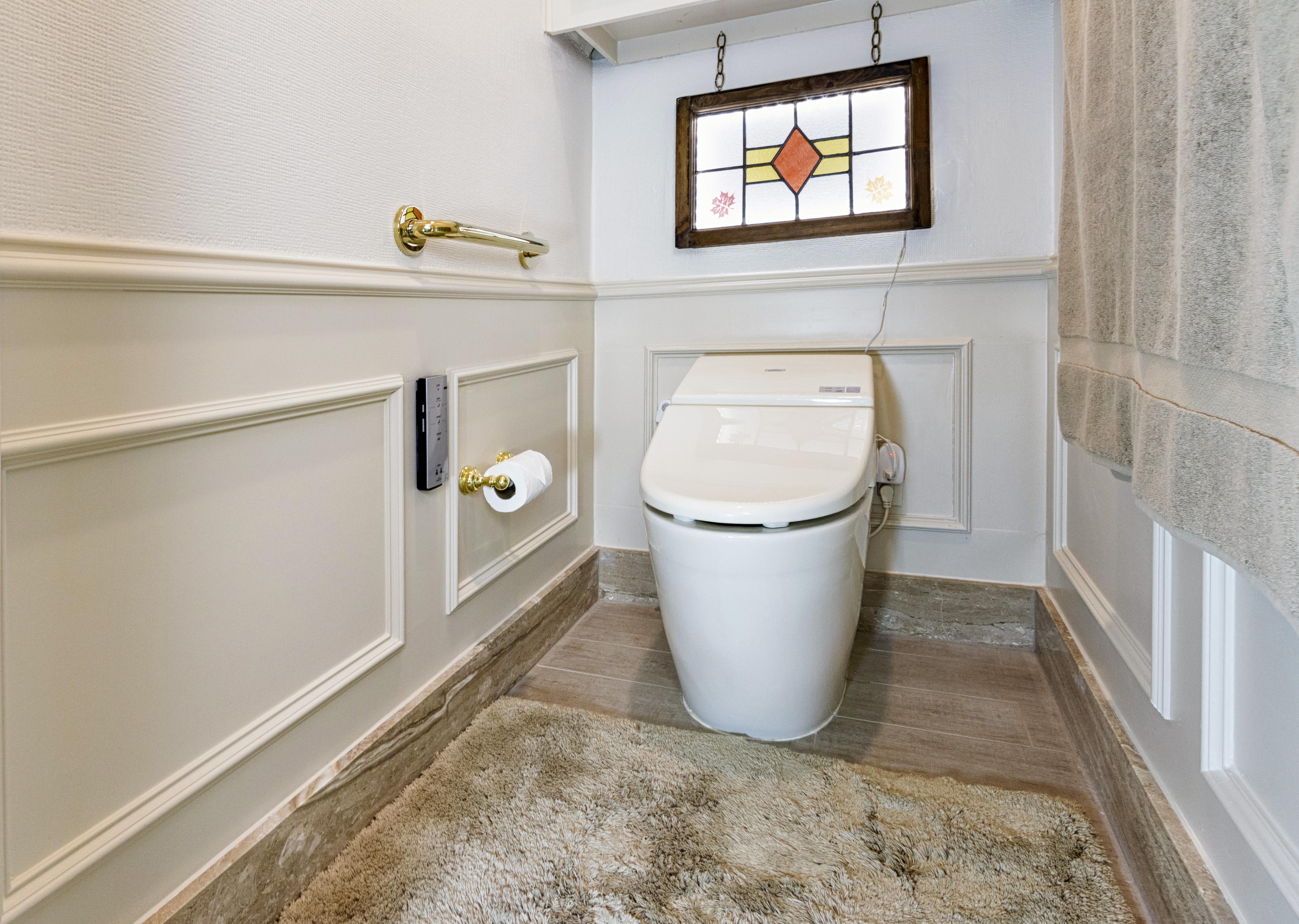 Water closet master bath