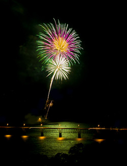 StephanieAmes_Hood River Fireworks