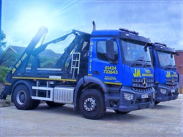 JM Waste Management Fleet Skip Lorry.jpg