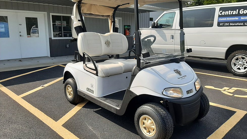 2017 EZ Go RXV 48V Golfer from Trump Golf Course