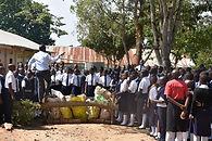 Schüler_bei_einer_Müllaktion.JPG