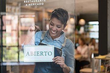 Letrero Abierto,Trofeos Castro