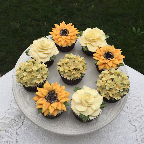 Flowers and Swirls Cupcakes