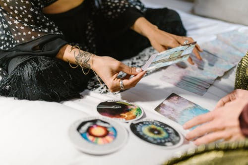In Person Tarot/Oracle Card Reading/40 m