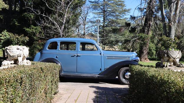 1935 Dodge (Complete)