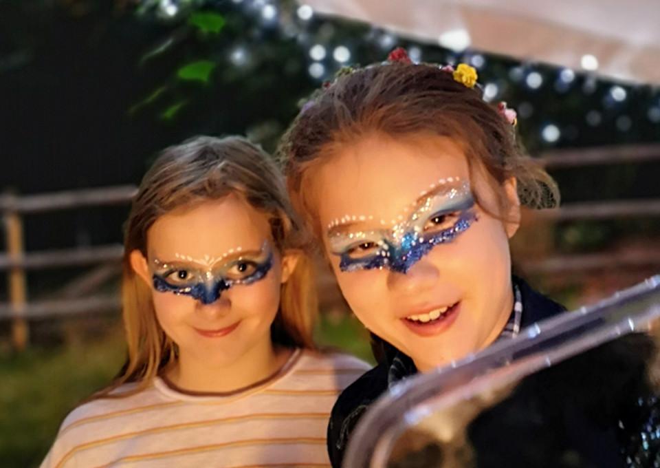 Childrens glitter bar