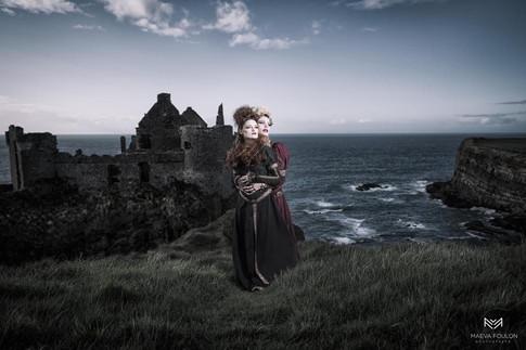 Mua @lucie_champion_  Team : @maeva_foulon (photographe) @thibautfoulon (assistant) @eleanor.molko (Mannequin)  Stylisme : L'atelier Wonderland Lieu : Irlande