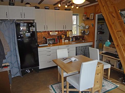 20-3 Kitchen.jpg