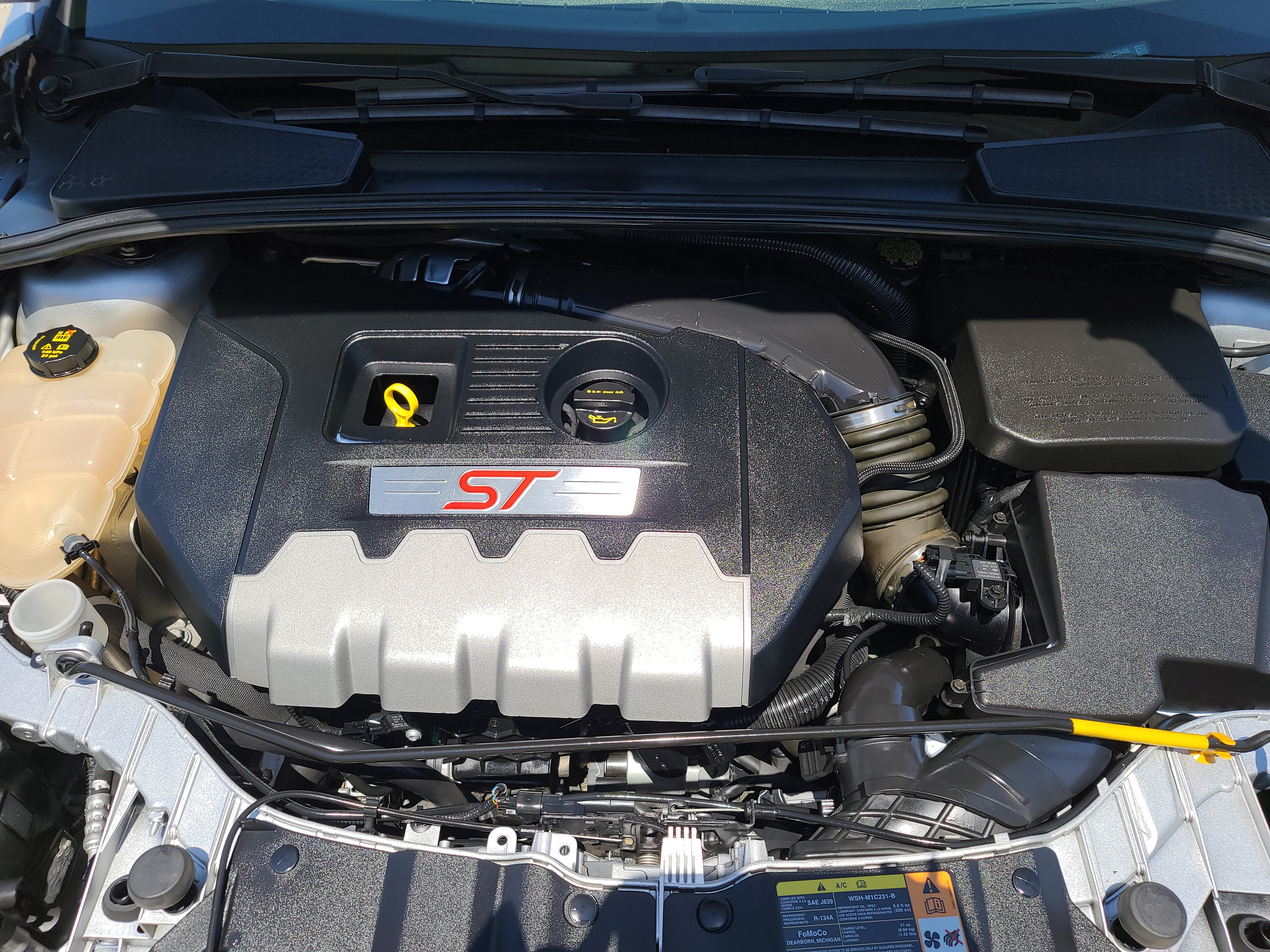 ENGINE COMPARTMENT DETAIL