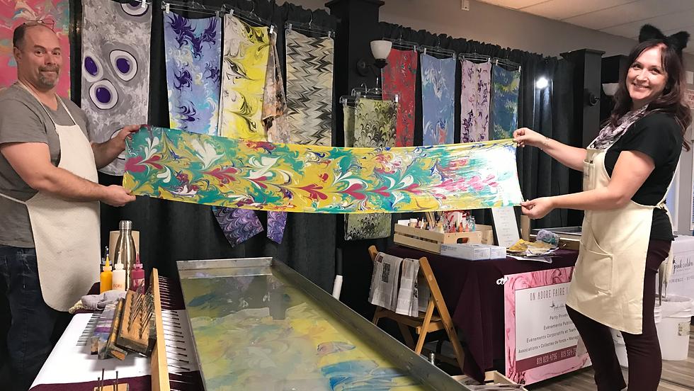 Résultat d'un foulard de soie peint sur l'eau - water marbling art