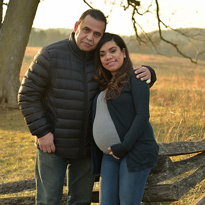 Diana and Wes Maternity