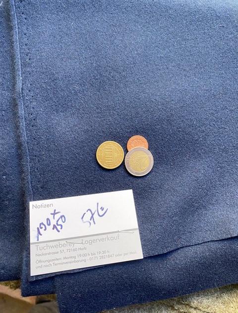 Rest dunkelblau Wolle 190x150 57€ 900gramm