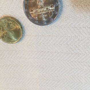 Wolle Fischgrat 150 cm breit ca. 450 Gramm 28€ FGWW202121