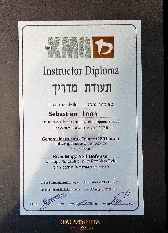 dyplom KMG lepsze zdjecie