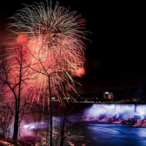 Mayella_Valdivia_Pirotecnia_Niagara.jpg