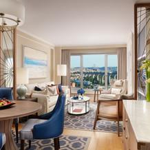 CorinthiaLisbon_Maritime_Suite_Livingroom_2019.jpg