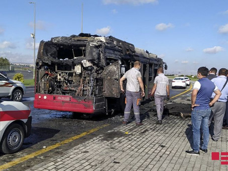 "Bakıda ""Iveco"" markalı sərnişin avtobusu yanıb"