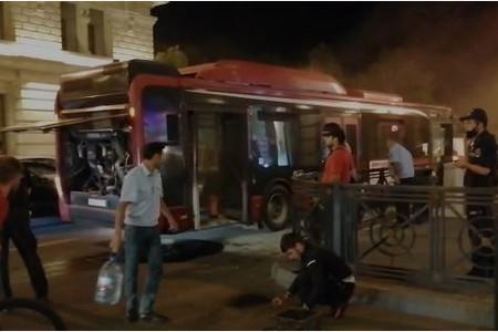Bu gün daha bir avtobus yandı