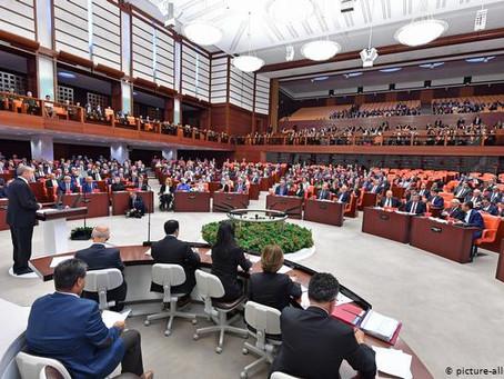 """Türkiyə parlamenti Baydenin """"soyqırım"""" oyununu pisləyən bəyanat qəbul edib"""