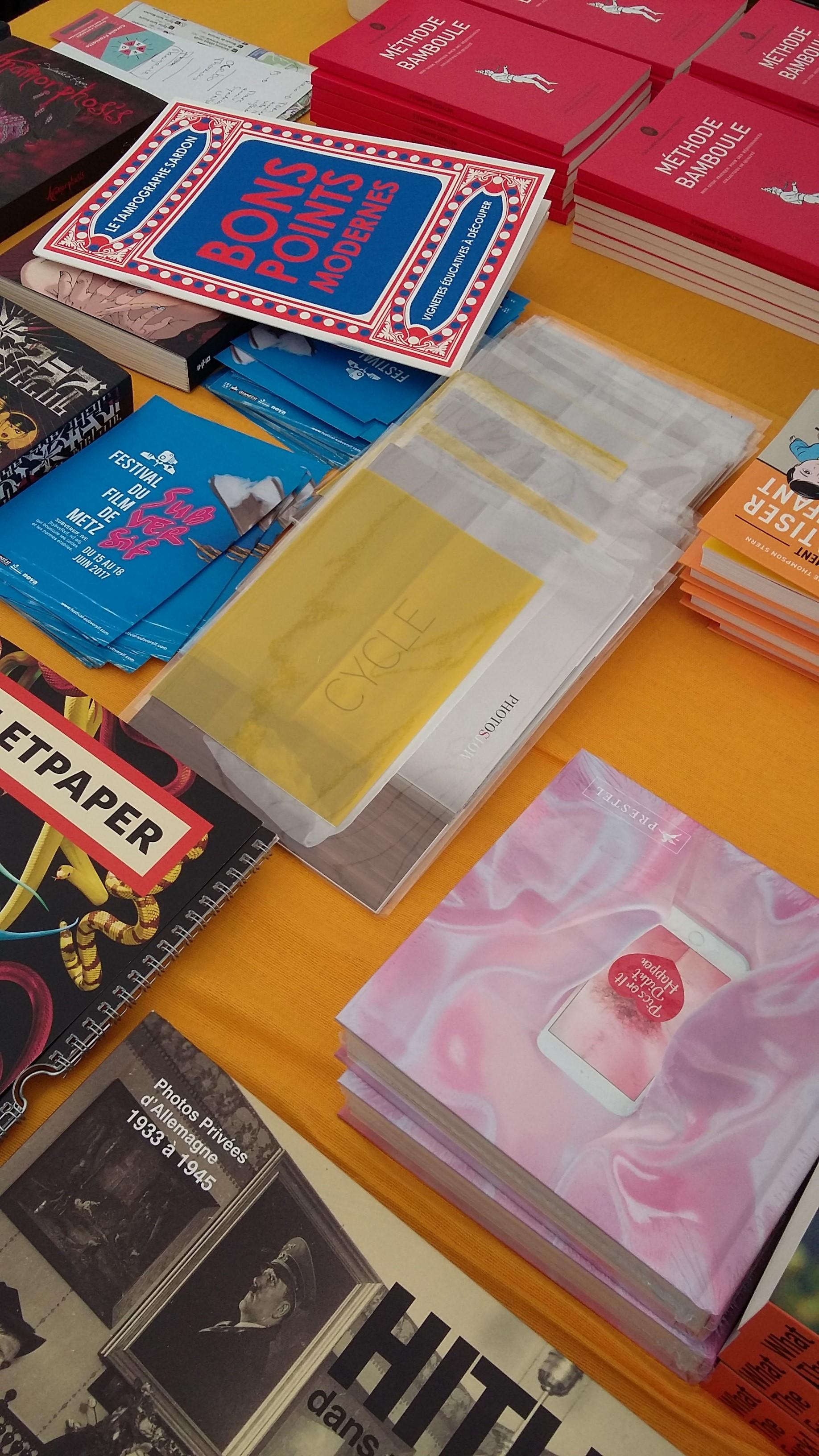 veronique-l-hoste-festival-du-livre-metz-stand-carre-des-bulles-avril2017