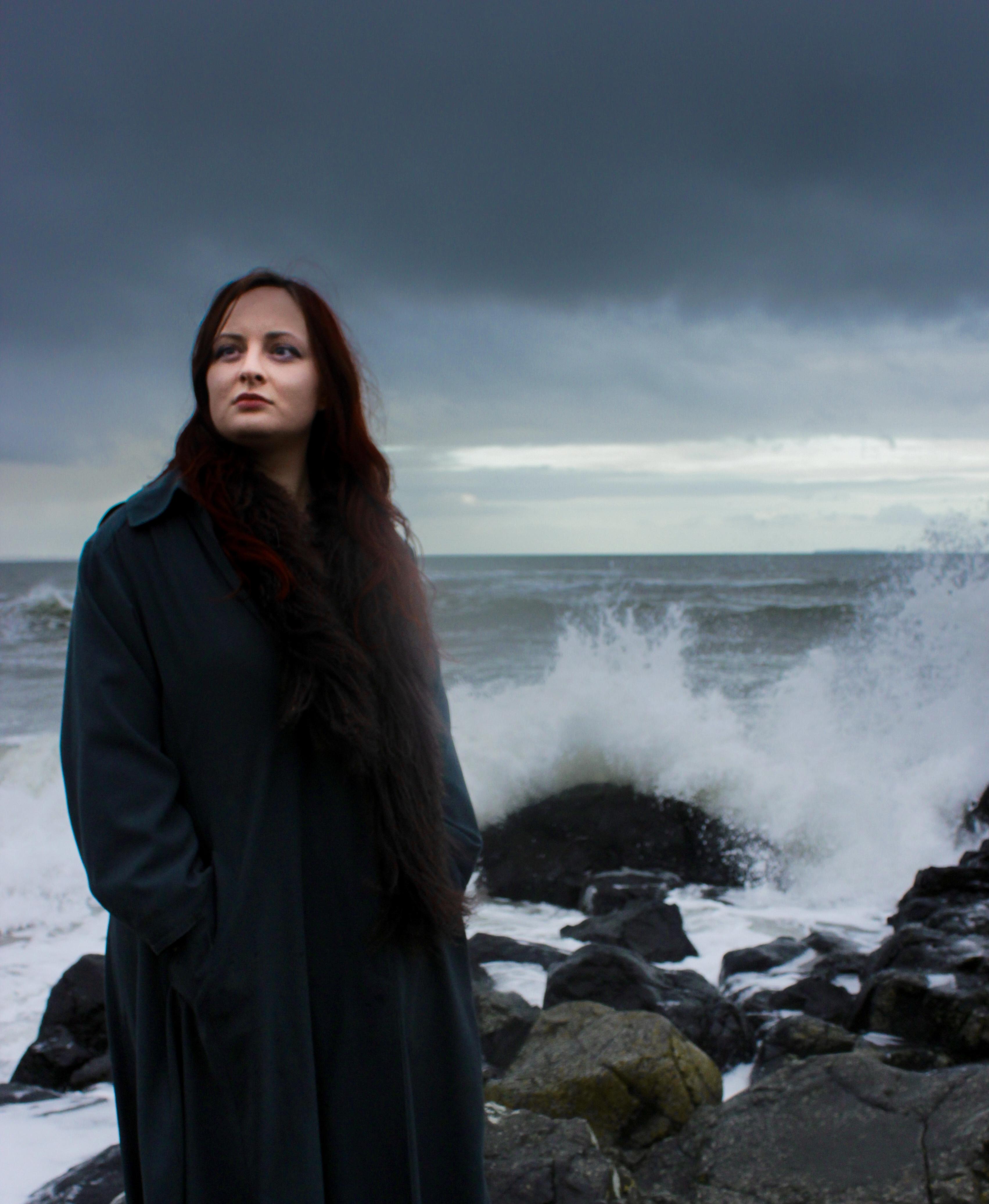 Zoë Moskal: On The Rocks