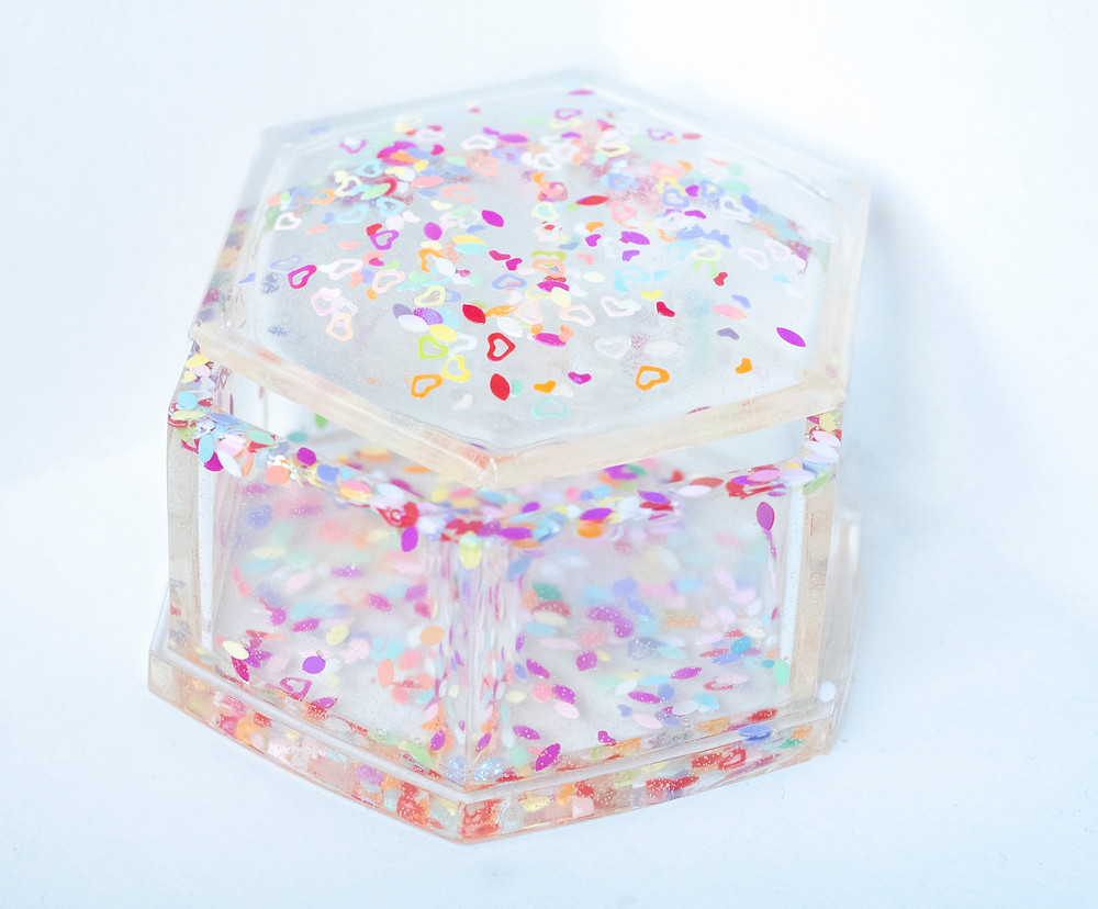 clear-glittery-tooth-fairy-box-included-in-memory-boxes-that-are-part-of-all-birth-photography-packages