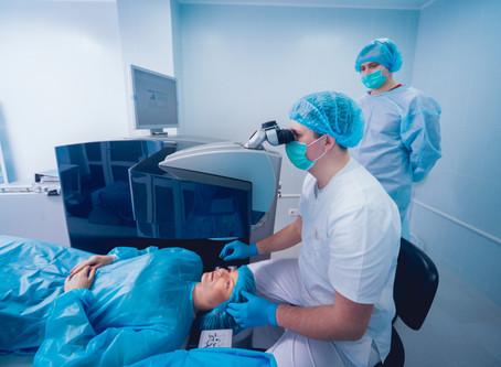 Cirugía láser para quitarse los lentes, cual es la edad ideal ?.