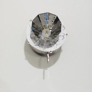 Klara Hobza, Taking flight, 2019, praxinoscopes, polished steel 14x16 x12,5cm, pencil on paper, 12x12cm