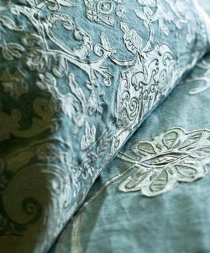 Chatsworth Linen Applique Bedspread