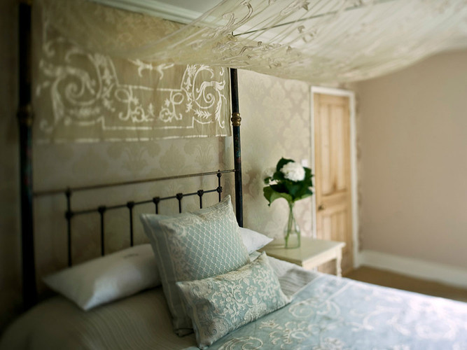 Chatsworth Linen and Sheer Bedspread
