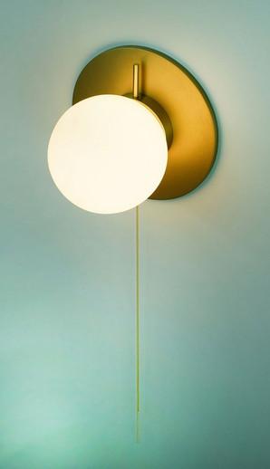 Pearl Coco Globe Wall Light