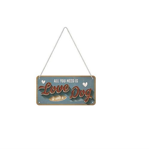 Metalen bord Hanging Love Dog 10x20cm