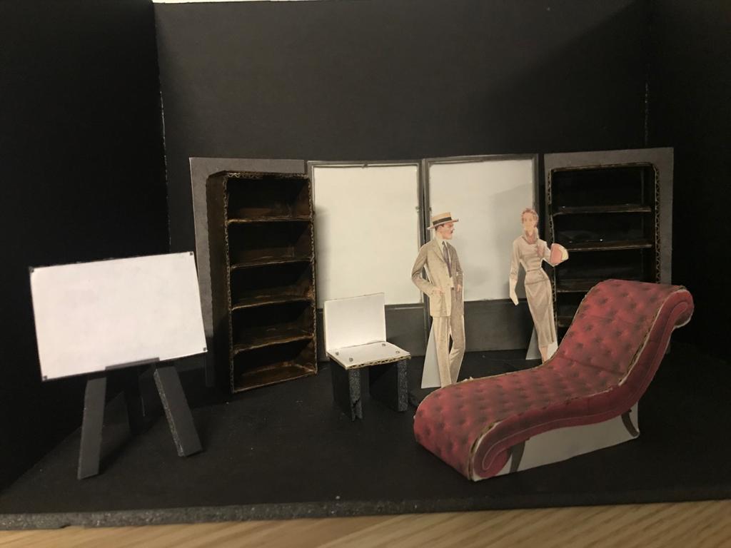 El diván Rojo - Maqueta de Estudio