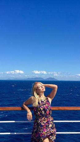 At Sea/En Altamar
