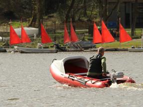 Motoring an inflatable motor canoe